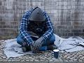 Na stanici našli zamrznutého bezdomovca: Keď úrady zistili, koľko mal na účte, zostali v šoku