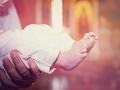Tragédia v kostole: Dieťatko sa utopilo počas krstu, ľudia hovoria o brutálnom rituáli