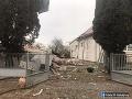 Polícia vyšetruje výbuch v dome v Bánovciach nad Ondavou ako všeobecné ohrozenie