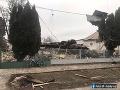FOTO  Výbuch plynu v Bánovciach nad Ondavou spustošil rodinný dom