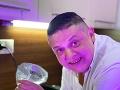 Erik Hilár Lakatošovie tento týždeň varí v šou Bez servítky.