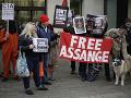 Ľudia chcú vidieť Assangea na slobode: Ľudskoprávne skupiny poslali list prezidentovi USA