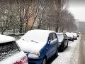Zlé počasie komplikuje dopravu v Bratislave: Stalo sa viacero nehôd, tvoria sa kolóny