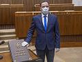 Poslanec OĽaNO viackrát hlasoval s kotlebovcami: Tvrdý TREST na tri mesiace, prišiel aj o právnický tím