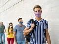 KORONAVÍRUS Niektorí študenti budú mať od pondelka výnimku zo zákazu vychádzania
