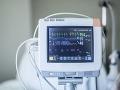 KORONAVÍRUS Nemocnice hlásia nedostatok personálu: Štát sa spolieha aj na pomoc medikov