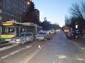 FOTO Opitý vodič s 1,5 promile v Košiciach napálil do dvoch áut: Zastavilo ho až zábradlie