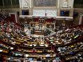Poslanci dolnej komory francúzskeho parlamentu odsúhlasili návrh zákona o boji proti extrémizmu