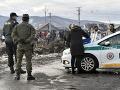 Na dodržiavanie karantény v rómskej osade v obci Sačurov dohliadajú policajti i vojaci