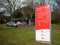 Krvavý útok v nemeckej psychiatrickej nemocnici: Zomreli dvaja ľudia, traja sú zranení