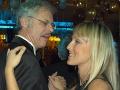 Veľvyslanec Európskej komisie v SR Eric van der Linden a Zuzana Belohorcová v roku 2004 na plese