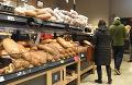 Konzílium odborníkov rieši zrušenie výnimiek! Veľká zmena by sa týkala aj nákupu v potravinách