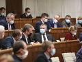 REAKCIE na predĺženie núdzového stavu: Je to útok na demokraciu! Slovensko ho nepotrebuje