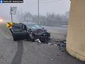 Mrazivé FOTO ťažkej nehody: Opitého vodiča zastavila až kaplnka! Po jazde nafúkal takmer 3 promile