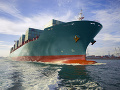 Izraelskou nákladnou loďou v Ománskom zálive otriasol výbuch
