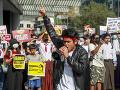 Polícia v Mjanmarsku znova tvrdo zasiahla voči protestom: Hlásia najmenej šiestich mŕtvych