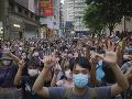 Polícia v Hongkongu zadržala 47 aktivistov: Sú obvinení z rozvratnej činnosti