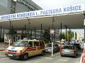 V košickej univerzitnej nemocnici stúpa počet pacientov s ochorením COVID-19: Jeden zomrel