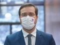 KORONAVÍRUS Vyhradených 40-tisíc vakcín na očkovanie učiteľov sa naplnilo, povedal Krajčí