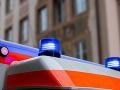 Účastníkom dopravnej nehody v Košiciach bola aj sanitka: Zranenia utrpeli dve osoby