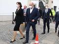 Ministri prichádzajú na krátku tlačovku po rokovaní s prezidentkou