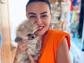 Bývalá moderátorka ukázala svojho psa: Luxusné oblečko... FOTO Také drahé handry nenosí ani väčšina Slovákov!