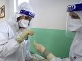 KORONAVÍRUS Jedenásť nemocníc testuje zo slín a aj testom z prednej časti nosa