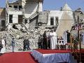 FOTO Pápež navštívil Irak: V Mósule sa modlil za vojnové obete, stretol sa aj s veriacimi v meste Karakoš
