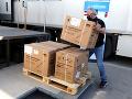 Slovensko prijalo dar od Francúzska v podobe 15-tisíc dávok vakcíny proti KORONAVÍRUSU