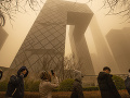 Pohroma v Číne: VIDEO Najhoršia piesočná búrka za 10 rokov, zrušili stovky letov