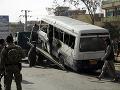 FOTO Výbuchu bomby nastraženej v Kábule: Zasiahla vládny autobus, zahynuli najmenej 4 ľudia