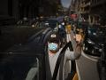 VIDEO Stovky taxikárov protestovali v Barcelone proti návratu spoločnosti Uber