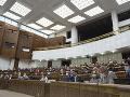 KORONAVÍRUS Balík noviel súvisiacich s druhou vlnou pandémie prerokuje parlament zrýchlene