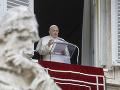 Pápež vyzval na boj proti zločineckým skupinám, ktoré bohatnú na pandémii