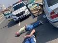 Akčná policajná naháňačka v Bratislave: FOTO Vodiča zastavila až streľba!