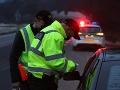 Polícia začala s intenzívnymi kontrolami na cestách: Vodiči sa môžu zdržať