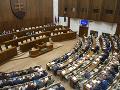 Parlament odobril opätovné predĺženie núdzového stavu
