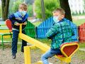 KORONAVÍRUS V parkoch a na detských ihriskách sú tiež potrebné rozstupy