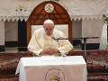 Pápež vyzval na zmiernenie napätia medzi Ruskom a Ukrajinou