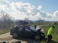Tragédia v okolí Budmeríc: Pri dopravnej nehode zomreli dvaja ľudia, na mieste zasahoval aj vrtuľník