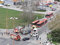 Hrozivá nehoda v Bratislave: FOTO Jedno z áut skončilo po náraze na streche, svedkyňa opísala detaily