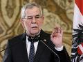 Rakúsky prezident dostal prvú dávku vakcíny proti KORONAVÍRUSU