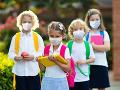 KORONAVÍRUS Nosenie respirátora nie je povinné pre deti do ukončenia prvého stupňa ZŠ