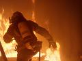 Požiar v bytovom dome v Prievidzi si vyžiadal evakuáciu obyvateľov
