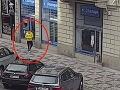 Mladík (25) vytratil peniaze z vrecka, rozfúkalo mu ich po centre Prahy: VIDEO Zasiahla šťastná náhoda!