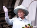 Kráľovnú Alžbetu obdivujú ľudia