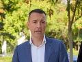 Vláda by mala čo najskôr jasne odkomunikovať tému COVID pasov, tvrdí Drucker