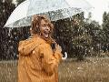 PREDPOVEĎ počasia: Dáždniky ešte neodkladajte! Hrozia aj búrky, koncom týždňa sa ochladí