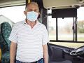 KORONAVÍRUS Vodiči bratislavskej MHD už nebudú musieť nosiť povinne respirátor