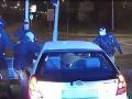 Šialená policajná naháňačka na VIDEU: Vodič v meste unikal 170 km/h, po náraze si ešte viac zavaril!